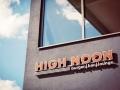 LED-Vollacrylbuchstaben - Frontleuchter (Zargen lichtdicht, ablackiert): High Noon im Cineplex Kino Baunatal