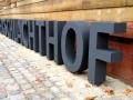 Profilbuchstaben (Sonderbau aus Stahl, freistehende Werbeanlage, 4mm Wandstärke, Schattenschrift) mit LED-Ausleuchtung: Alter Schlachthof Karlsruhe