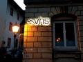 Profilbuchstaben (Schattenschrift) mit LED-Ausleuchtung: vhs Ettlingen