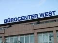 Profilbuchstaben mit Neon-Ausleuchtung: Bürocenter West