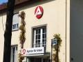 Transparentkasten und Profilformkasten mit Neon-Ausleuchtung: Agentur für Arbeit Karlsruhe