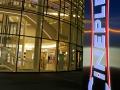 Pylon mit LED-Zargenbeleuchtung: Cineplex Kino Baden-Baden