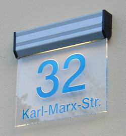 Lichtfluter, Kantenleuchter, Leuchtschilder und Leuchtdisplays von mvlichtwerbesysteme Karlsruhe. Lichtwerbung und Leuchtreklame von Ihrem Meisterfachbetrieb rund um Licht- und Außenwerbung.
